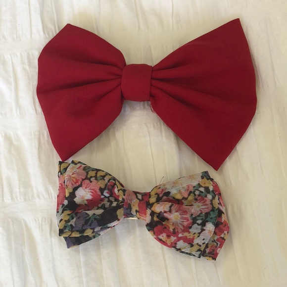Two Clip in Bows